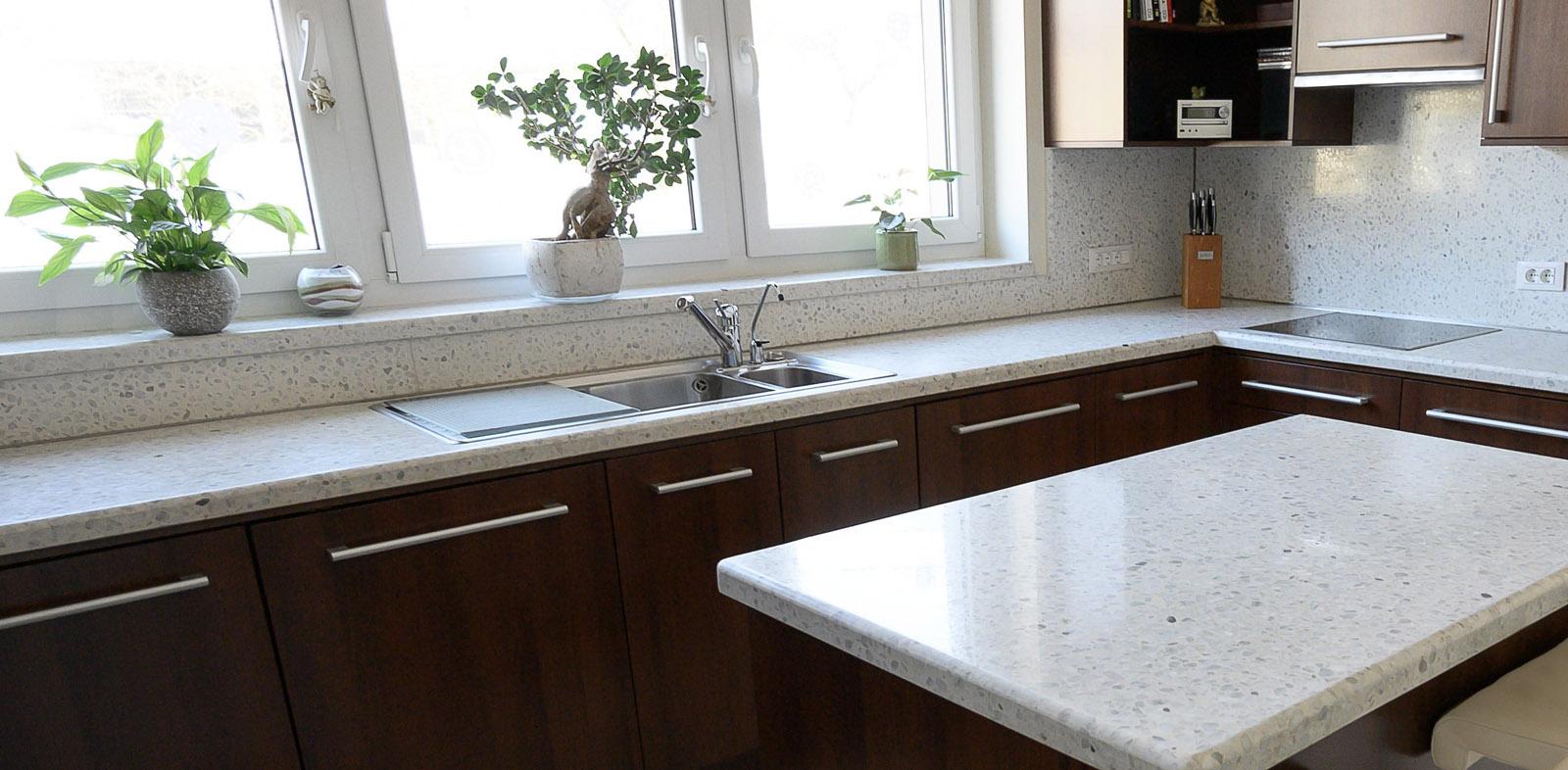 2-kuhinjski-pult-miza-iz-betona